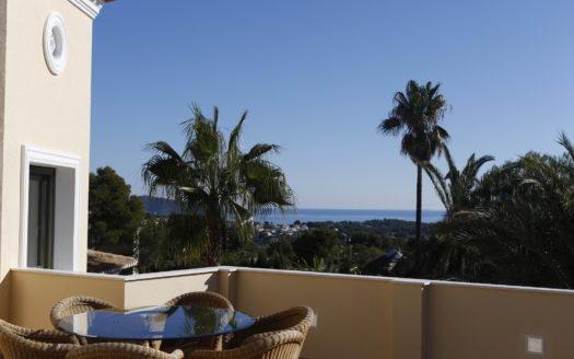 Вилла с видом на море в Бениссе