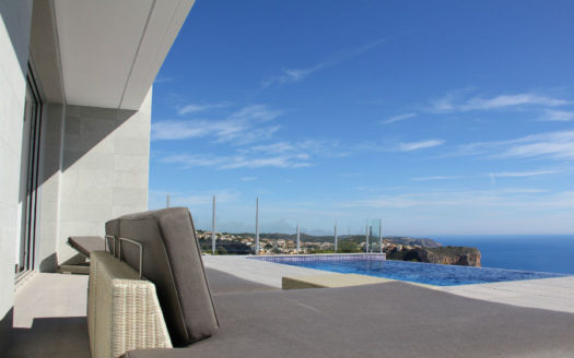 Villa with sea view in Cumbre del Sol