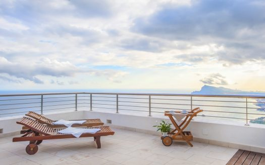 Villa with panoramic views to the sea and Altea