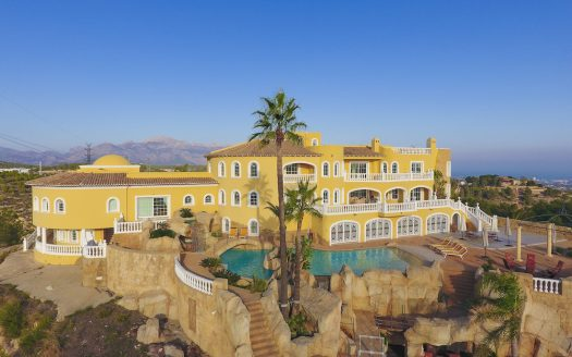 Вилла в средиземноморском стиле в Ла Нусии