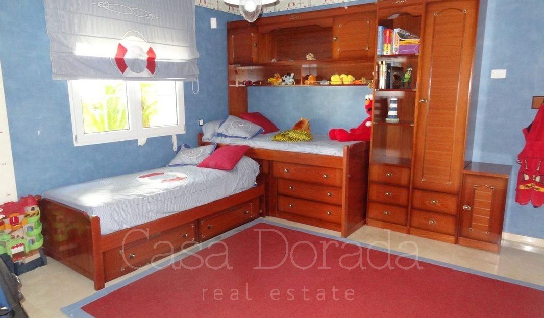 Spacious 3 story villa