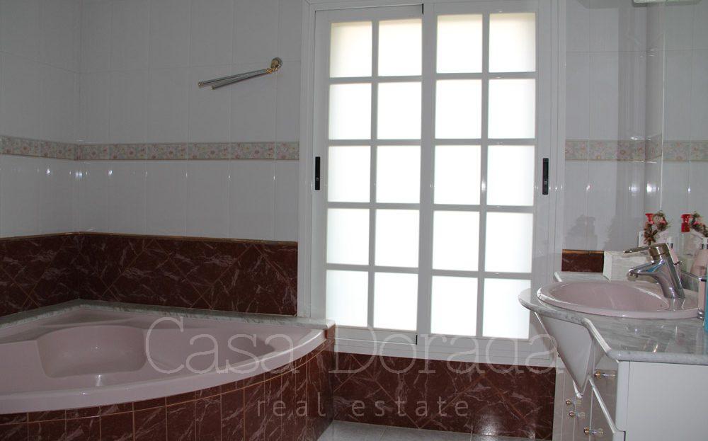 Classic style villa in Alfaz del Pi