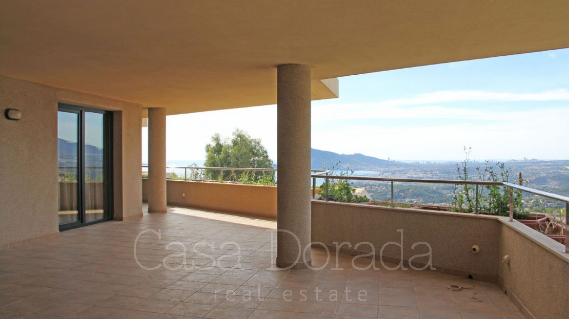 New Apartment with panoramic views of the sea and the city of Altea.
